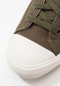 Les Deux - PRO-KEDS ROYAL - Baskets basses - dark green/offwhite - 6
