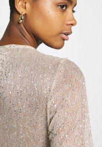Gina Tricot - JUDY GLITTER  - Bluse - beige - 4