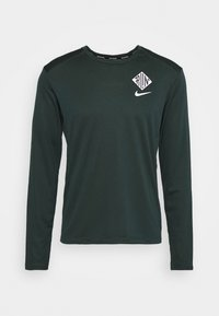 Nike Performance - PACER CREW  - Sports shirt - seaweed/asparagus/reflective silver - 4