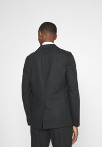 Isaac Dewhirst - Suit - charcoal - 6