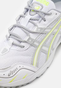 ASICS SportStyle - GEL 1090 UNISEX - Sneakers - white/pure silver - 5
