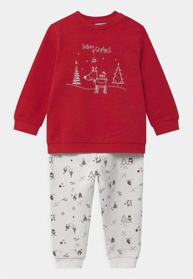 PRINT - Pyjama - scarlet