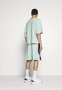 Martin Asbjørn - RIPLEY - T-shirt basic - mint - 2