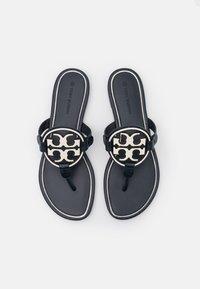 Tory Burch - MILLER - Sandály s odděleným palcem - perfect navy/new invory - 5