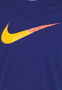 Nike Sportswear - TEE BRANDRIFF - T-shirt med print - deep royal blue - 4
