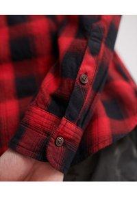 Superdry - LONG SLEEVE - Camisa - red - 4