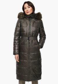 s.Oliver - MIT LOGO-GÜRTEL - Winter coat - khaki - 0