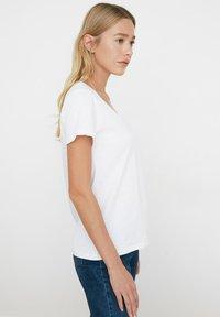 Trendyol - Basic T-shirt - white - 3
