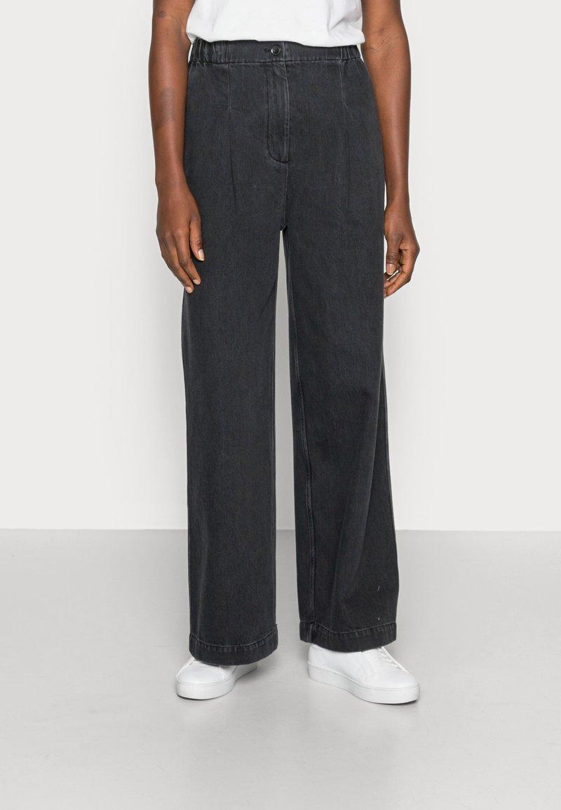 Samsøe Samsøe - GIANA TROUSERS - Relaxed fit jeans - black snow