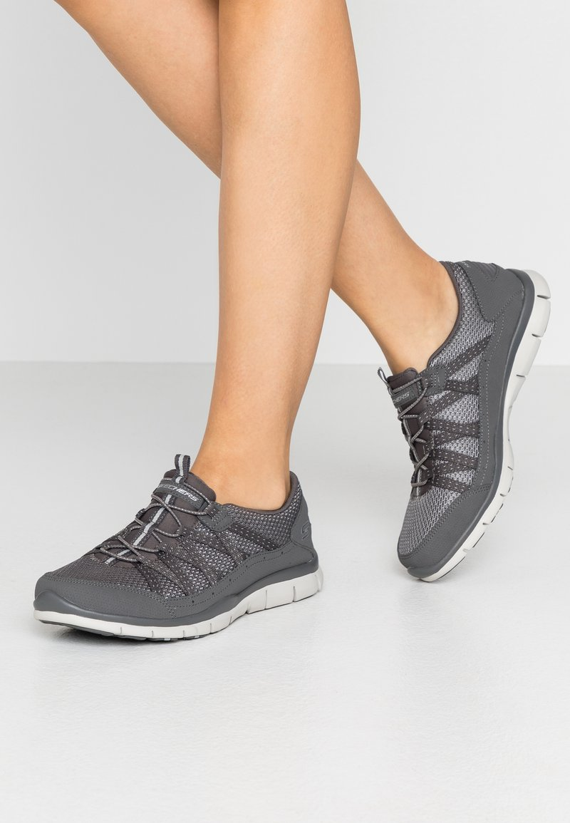 Skechers Wide Fit - GRATIS - Trainers - charcoal mesh/gray