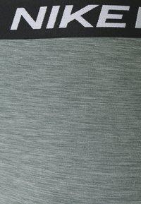 Nike Performance - 365 7/8 HI RISE - Punčochy - smoke grey heather/black - 5