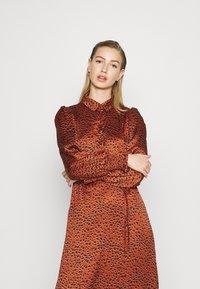 Vila - VIRAMDI FUNKEL DRESS - Shirt dress - burnt henna - 3