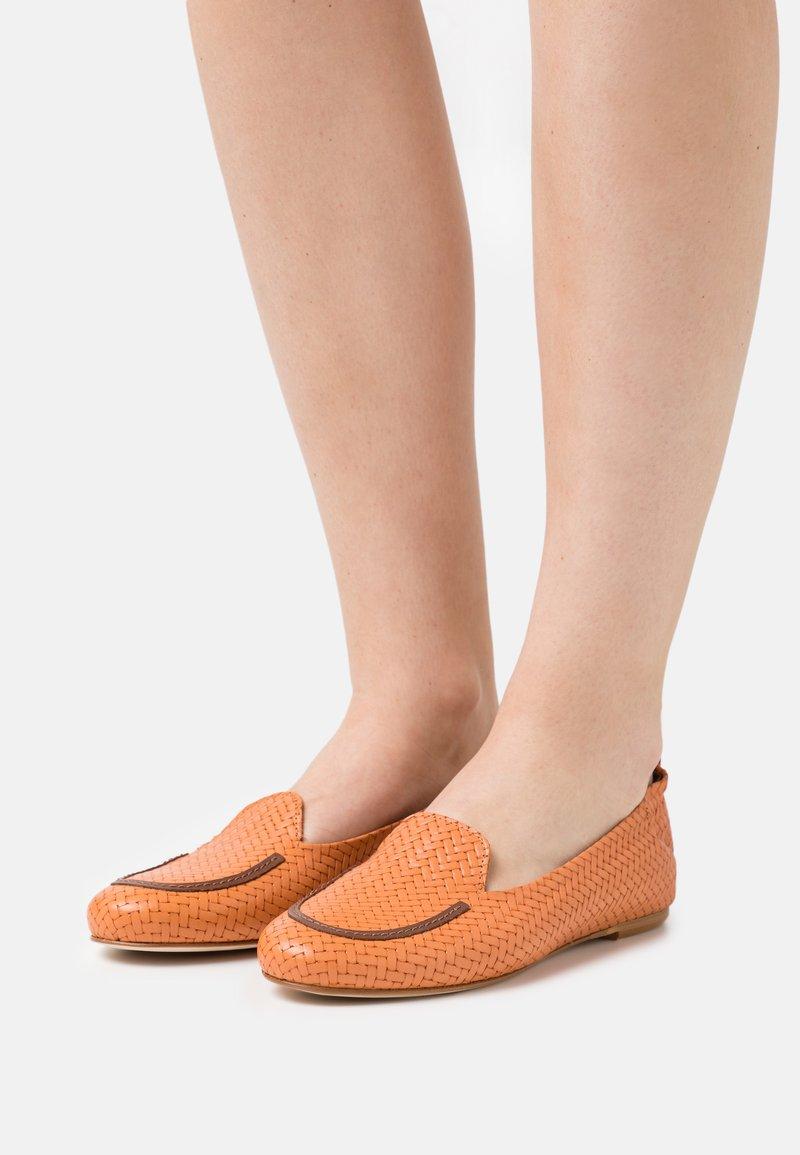 lilimill - Mocassins - arancio