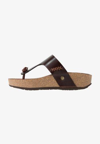 QUINOA CLAY - Sandalias de dedo - brown