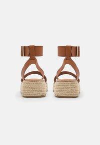 Emmshu - FABY - Korkeakorkoiset sandaalit - brown - 3