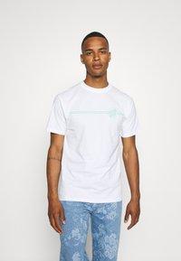 Santa Cruz - OPUS DOT STRIPE UNISEX - T-shirt imprimé - white - 2