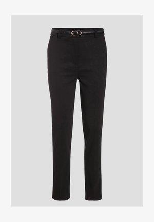 MIT GÜRTEL - Trousers - noir