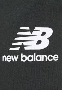 New Balance - ESSENTIAL STACK LOGO  - Spodnie treningowe - black - 5