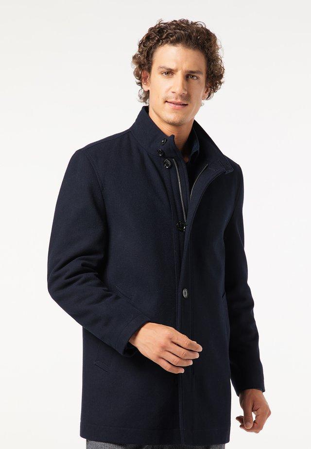 VOYAGE - Short coat - blau