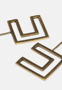 Elisabetta Franchi - DOUBLE C LOGO EARRINGS WITH CHAIN PENDANT - Earrings - oro vecchio - 2