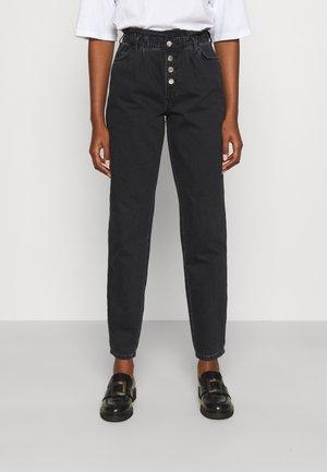 ONLCUBA LIFE HW SLOUCHY DOT - Straight leg jeans - black denim