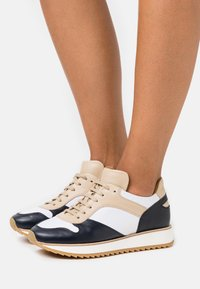 By Malene Birger - LOULA - Trainers - marzipan - 0