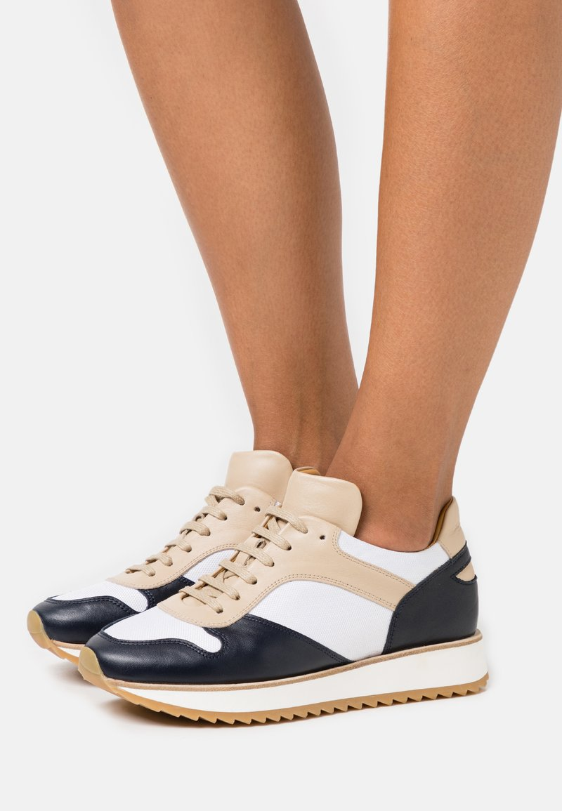 By Malene Birger - LOULA - Trainers - marzipan