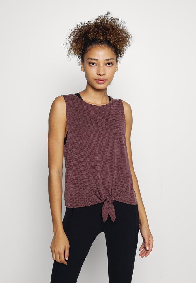 TIE FRONT MUSCLE TANK - Top - cherry wood