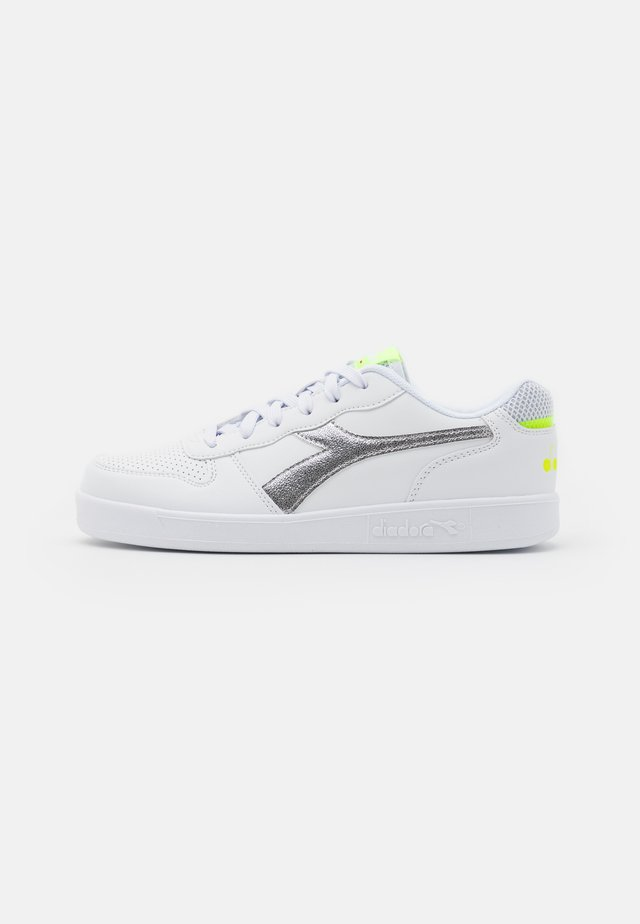 PLAYGROUND GIRL - Sports shoes - white/yellow fluo