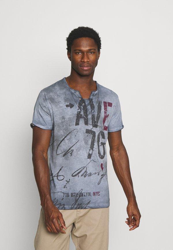 Key Largo OUTCOME BUTTON - T-shirt z nadrukiem - steel blue/niebieski Odzież Męska TJME