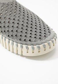 Ilse Jacobsen - Slip-ons - grey - 2