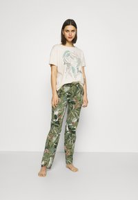 Triumph - Pyjama - sage green - 1