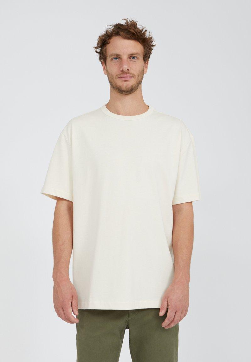 ARMEDANGELS - AALEX UNDYED - Basic T-shirt - undyed