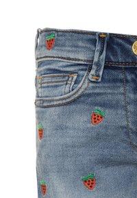 J.CREW - STRAWBERRY - Denim shorts - picnic wash - 2