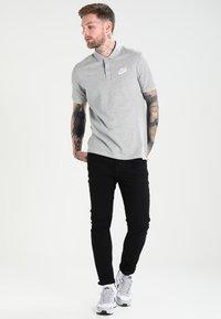 Nike Sportswear - MATCHUP - Polo - grey heather/white - 1