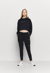Nike Performance - ALL CROP - Jersey con capucha - black/white - 1