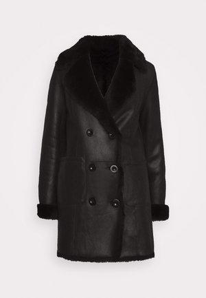 CAROLINE SHEARLING COAT - Classic coat - black
