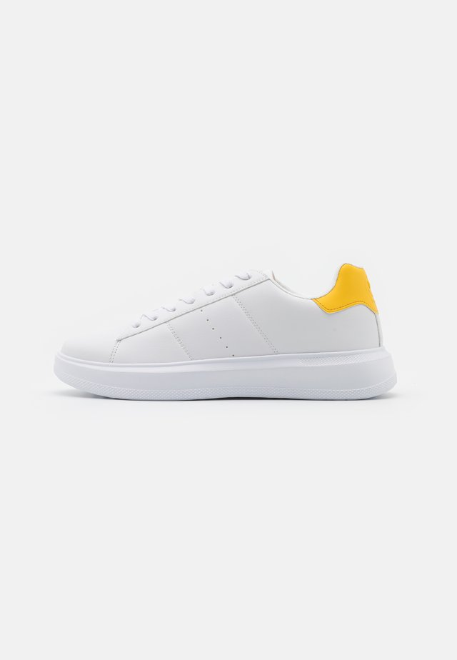 UNISEX - Sneakers - white/yellow