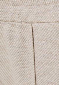someday. - CHIORINI - Teplákové kalhoty - pearl melange - 2