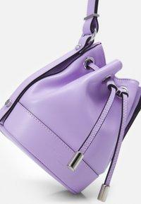 The Kooples - TINA KUNAKEY SMALL BUCKET - Schoudertas - purple - 3