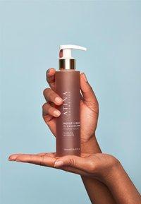 Atina Cosmetics - MOIST LIQUID CLEANSER - Cleanser - - - 4