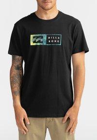 Billabong - INVERSED  - Print T-shirt - black - 0