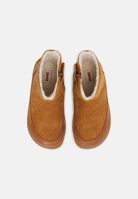 Camper - PEU CAMI - Winter boots - cognac - 3