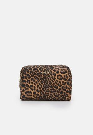 LALIE BEAUTY LALIE LARGE TOP ZIP - Wash bag - natural