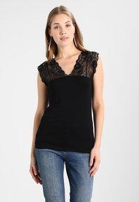 Culture - ELONA - Print T-shirt - black - 0