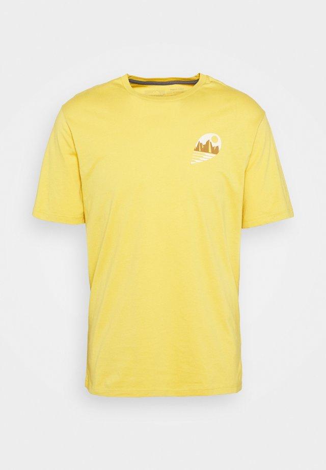 TUBE VIEW - Printtipaita - mountain yellow