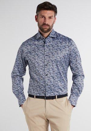 MODERN FIT - Shirt - hellblau/marine