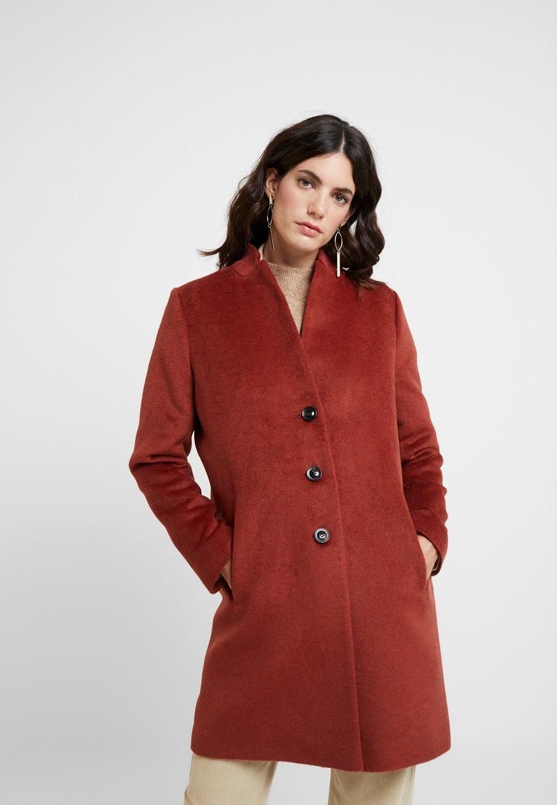 comma - Classic coat - mahagony