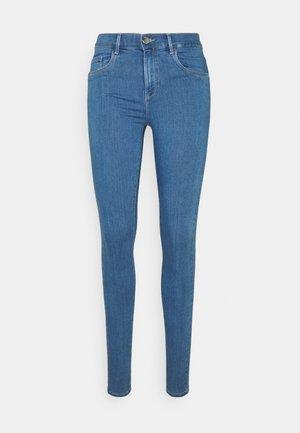 ONLRAIN MID WAIST SKINNY FULL LENGH - Jeans Skinny Fit - light blue denim