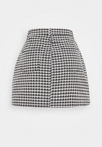 Missguided Petite - HOUNDSTOOTH SKIRT - Mini skirt - black - 1